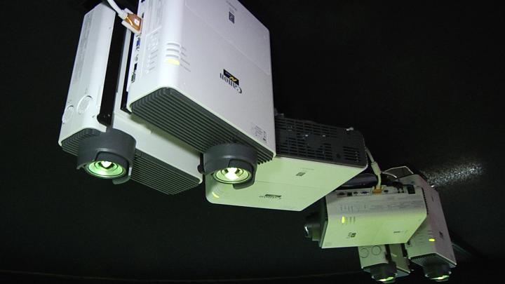 proiettori XEED WUX400ST