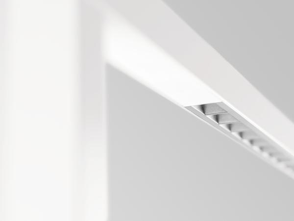 Comfort design ed efficienza di illuminazione per uffici con le