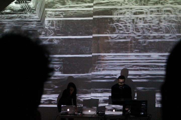 Live DJ e VJ set 4