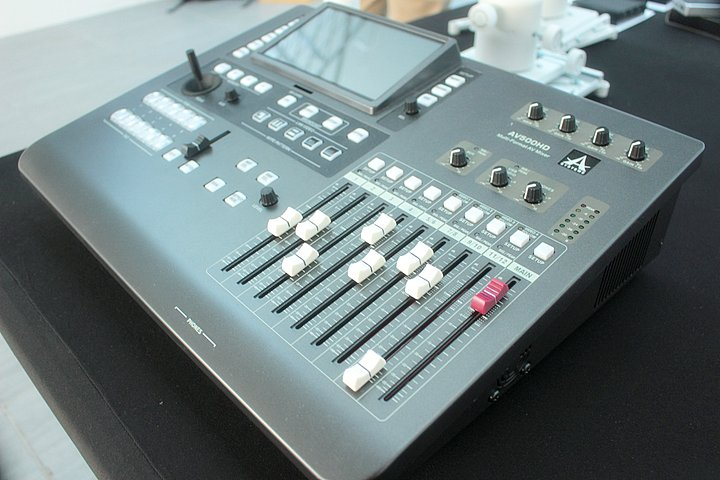 Lo switcher e mixer AV ASystems