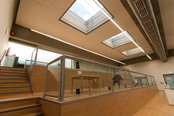 Illuminazione a led targato fosnova per la biblioteca comunale di